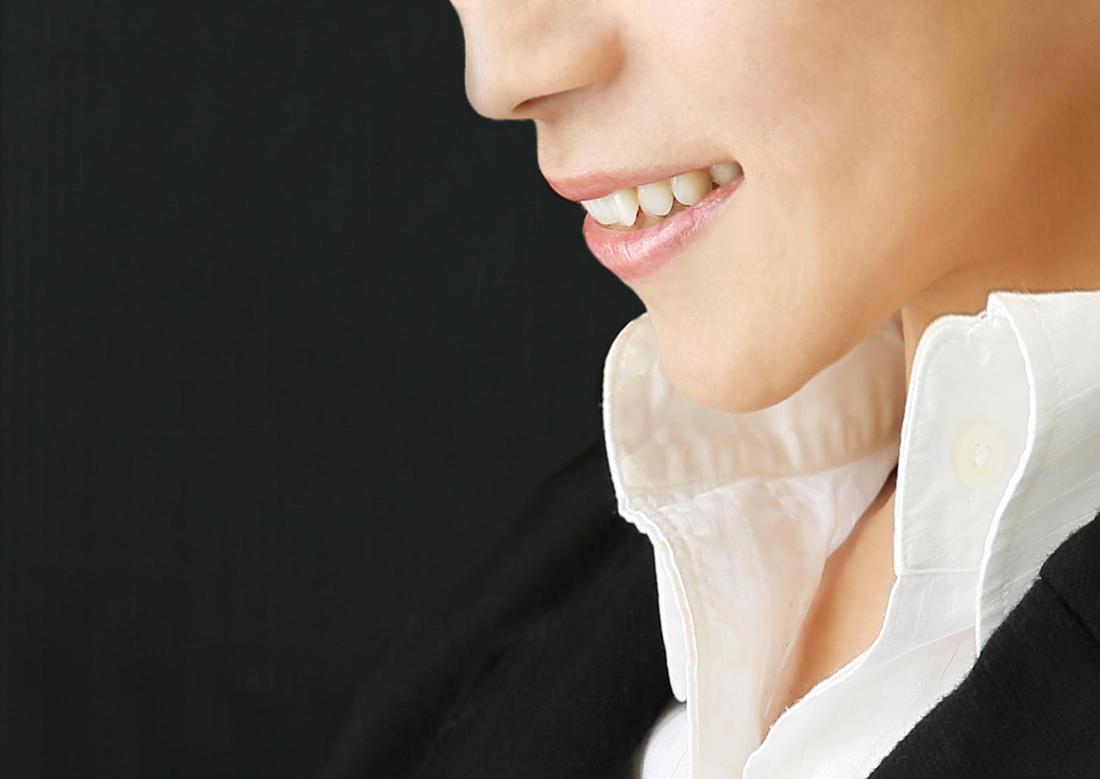 智慧齒不夠位置生長,會形成「阻生智慧齒」